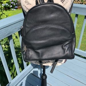 3/$20 💐Small black backpack 🎒Gently used